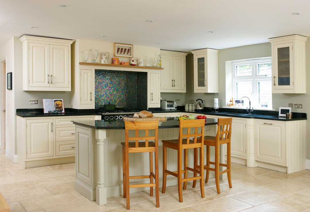 Traditional kitchen mtd for Traditional wooden kitchens